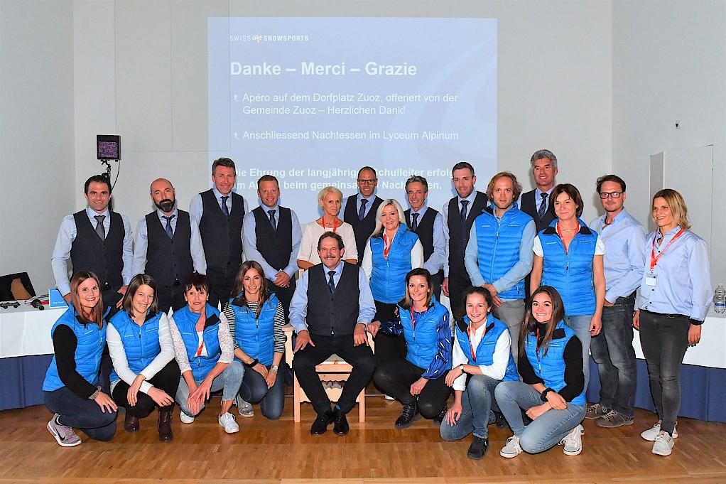 Der Vorstand und das Team von Swiss Snowsports mit Direktor Riet R. Campell und seiner Ehefrau Christine Campell.
